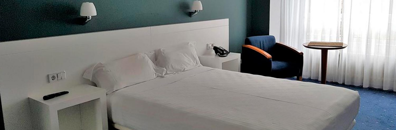 Habitación del hotel Gran Regente en Oviedo, Asturias