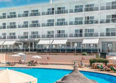 Piscina junto al mar Simbad Hotel & Spa Ibiza
