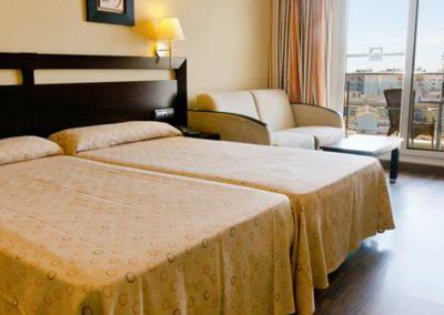 habitación doble del hotel bahia almuñecar de 4 estrellas