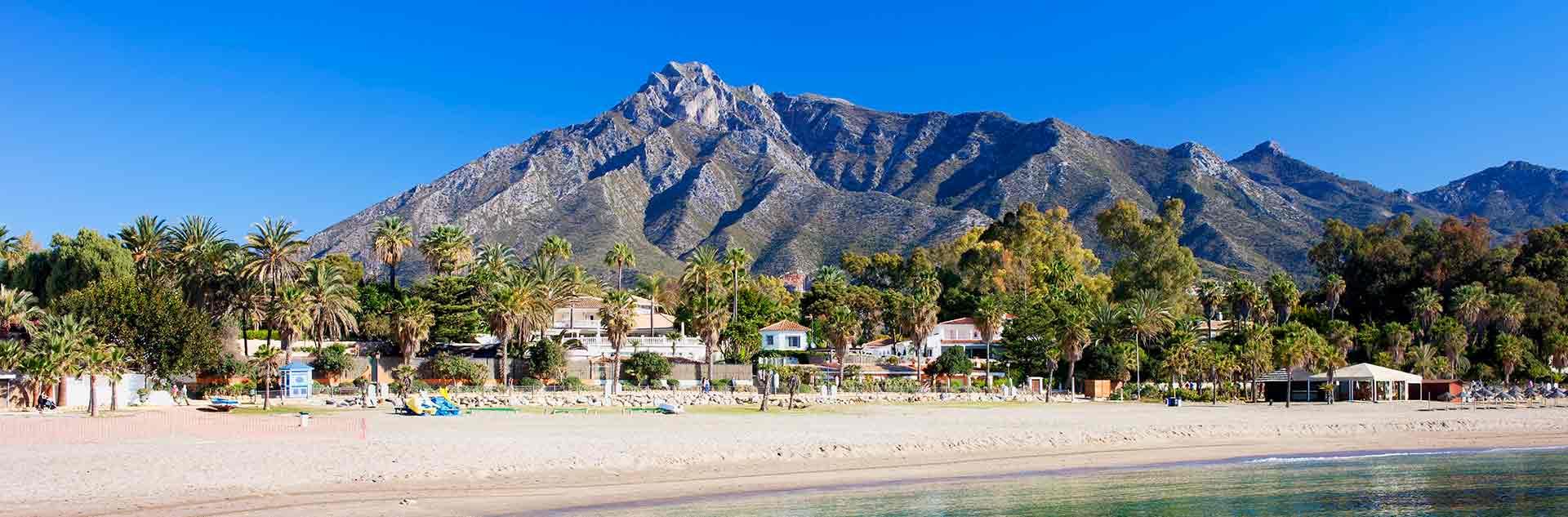 Paiseje de Marbella ciudad de vacaciones junto al mar