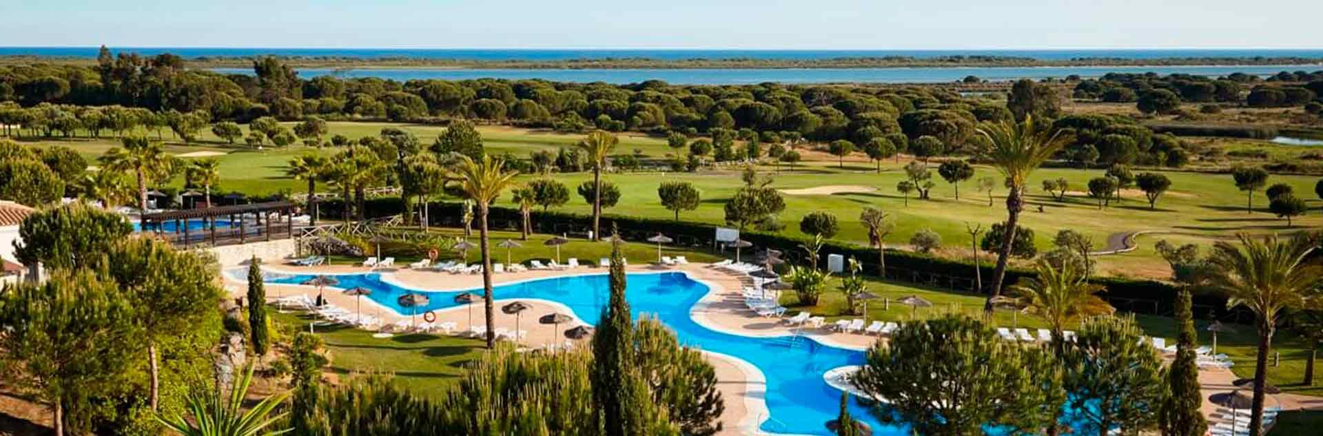 Vistas a las piscinas desde el Hotel 4* de Huelva