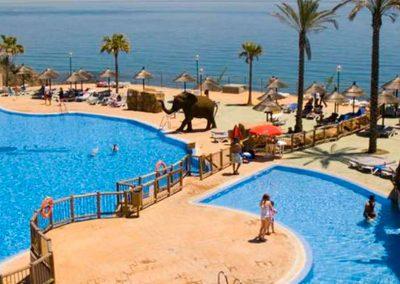 Escapada ocio hoteles al hotel holiday world resort 4*