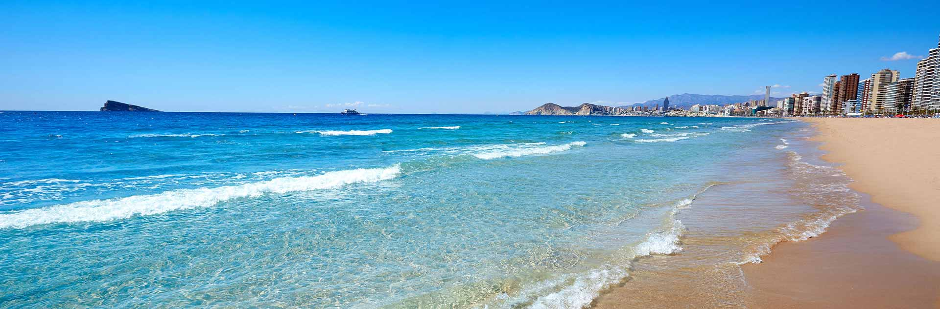 Playa de Levante de Benidorm en Alicante mediterránea de España