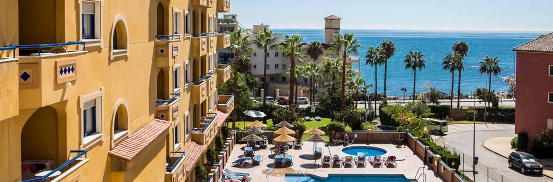 Vistas a las piscinas del Hotel Vistamar 4* en Benalmádena