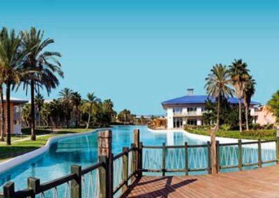 Recintos comunes del hotel Caribe 4* de Salou en Port Aventura
