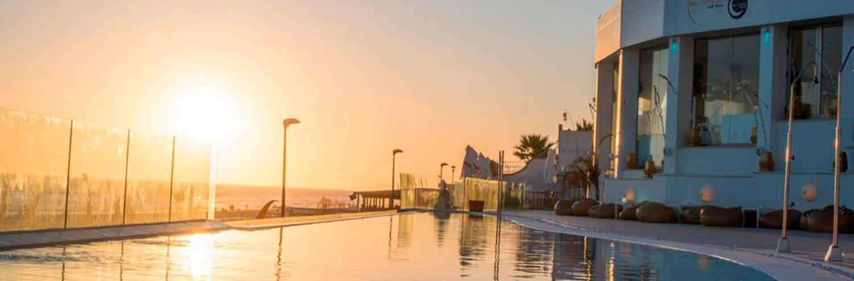 Atardecer de las piscina en On Hotels Ocenafront de Matalascañas