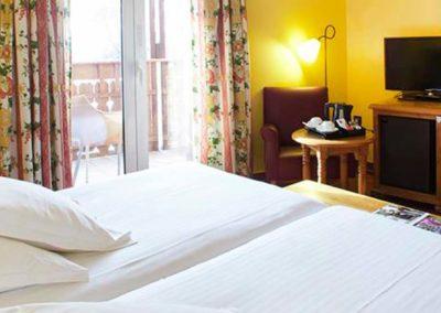 Habitacion con dos camas del hotel Ski Plaza 4*