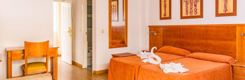 Habitación de los apartamentos Vista de Rey en Benalmadena, Málaga