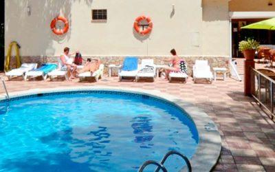 Hotel Pensión Completa en Lloret de Mar🥇【2 adultos + Niño Gratis】