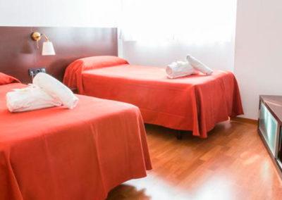 Oferta en Apartamento Ele Domocenter, habitación de dos camas