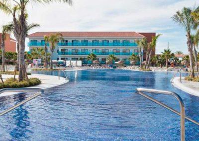 Oferta pension completa con bebidas en Hotel 4* en rota