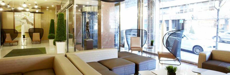 Recepción y sala de espera del Hotel Holiday Inn Andorra