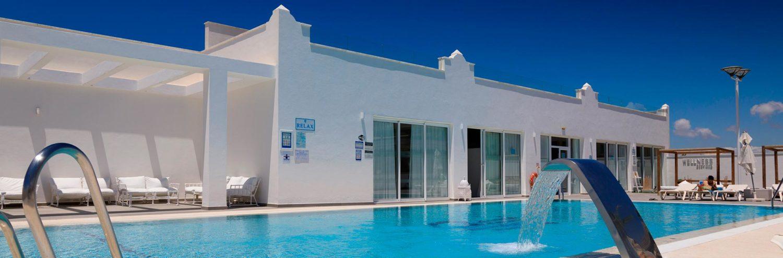 piscina-hotel-playa-de-la-luz