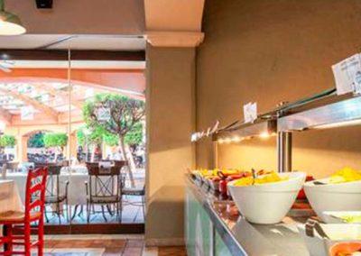 Buffet en hotel Holiday Village