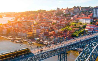 Escapada a Oporto 🍷 Hotel + Vuelo + Excursión en Barco por el Duero