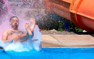 Vacaciones de Verano Divertidas en Hotel con Toboganes [Reserva Anticipada]