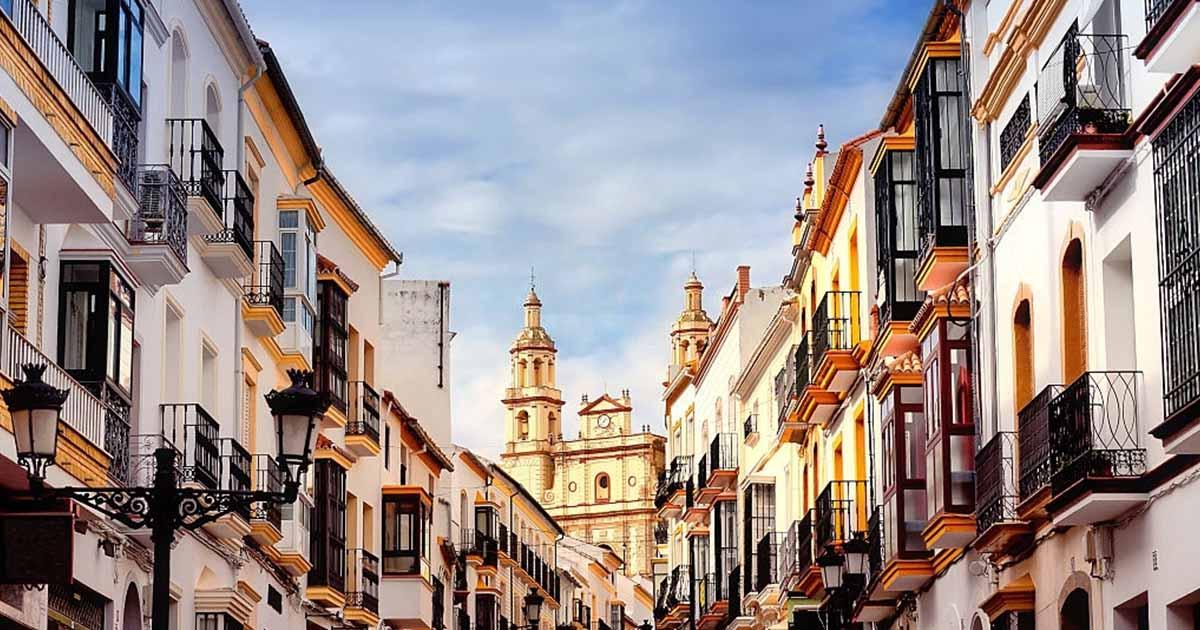 Conoce los pueblos blancos de Cádiz - En Olvera podrás visitar la Iglesia de Nuestra Señora de la Encarnación.