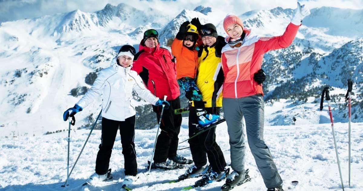 Viaja de escapar con tu familia y disfruta del esquí en las montañas de Andorra