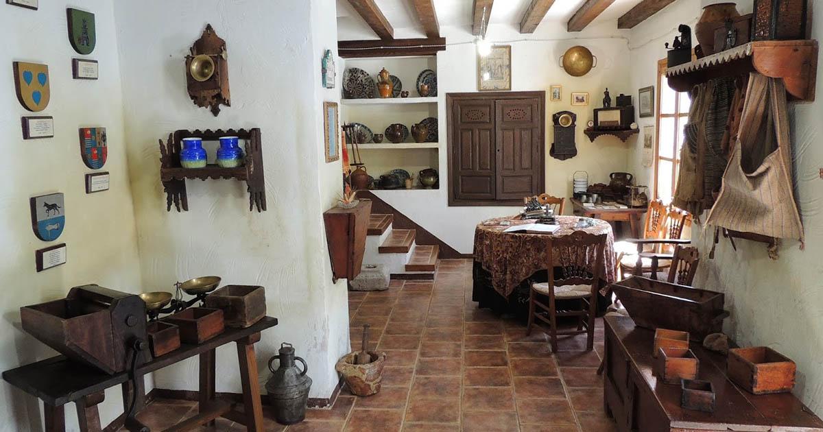 Hermoso Molino Museo Alto de Santa Ana en el municipio de Valdepeñas