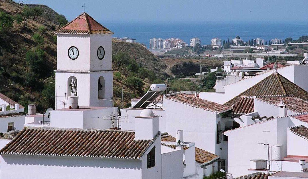 Explora las hermosas calles de Algarrobo