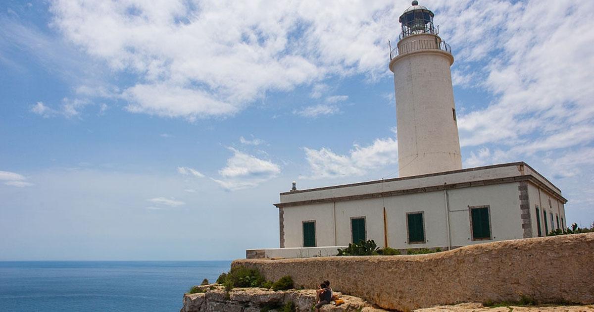 El Faro de la Mola en el punto más alto de la isla de Formentera