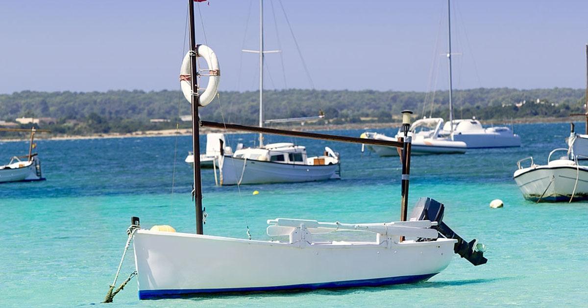 Velero en tu viaje a Formenteras con todo incluido