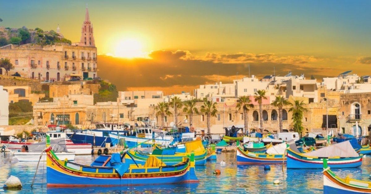 Disfruta del puerto de la ciudad en Isla de Malta