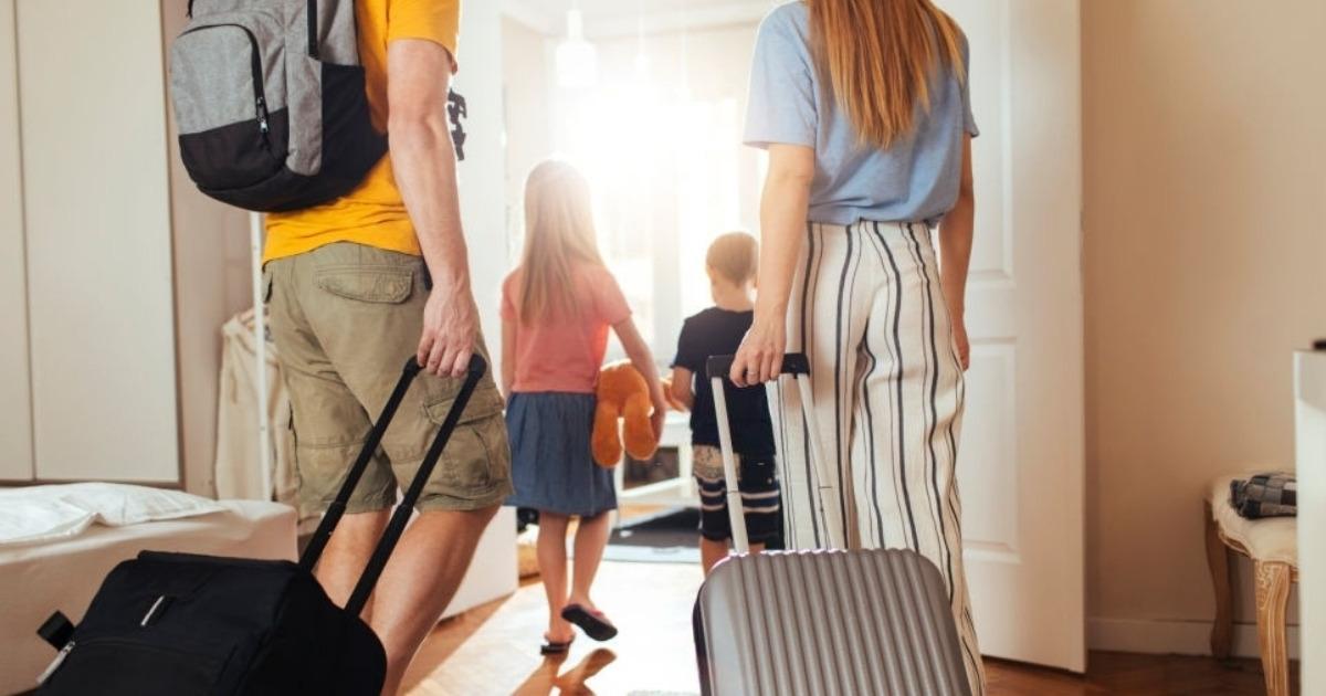 Arma tus maletas para viajar en verano con la familia