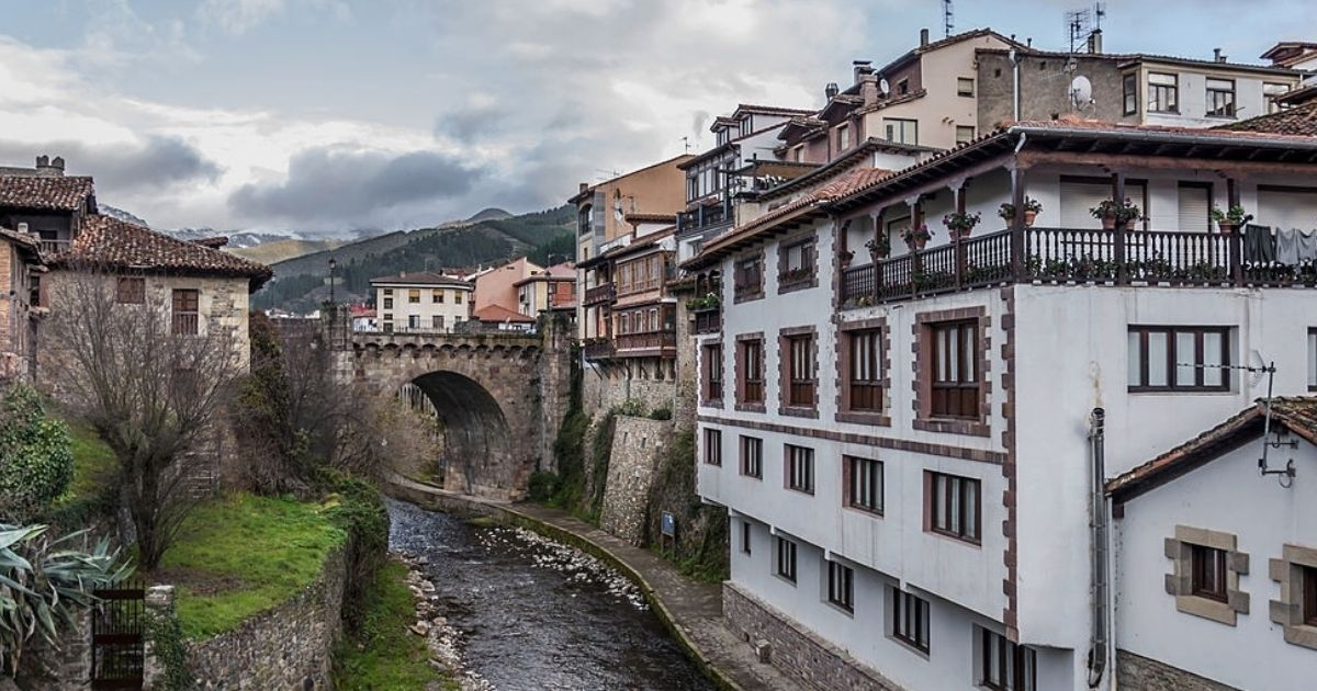 Visita del Pueblo de Potes en Cantabria